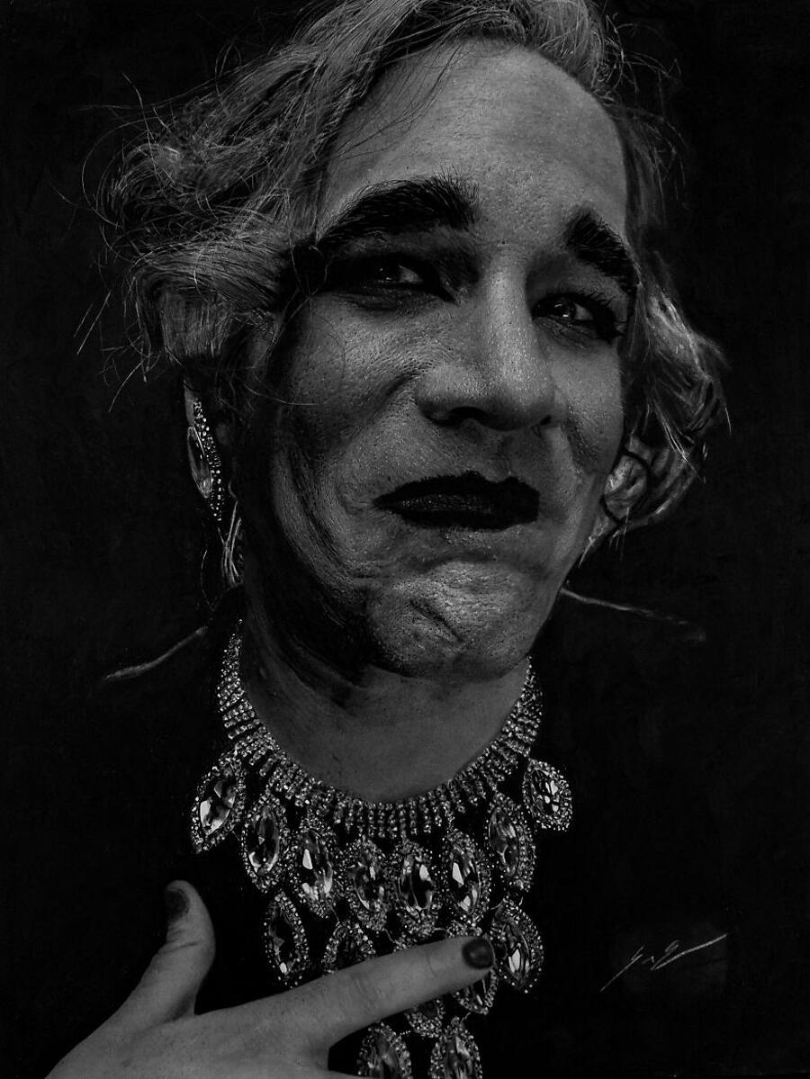 Ritratti fotorealistici con polvere di carbone Dylan Eakin