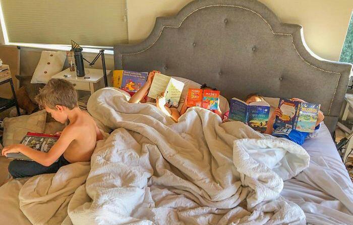 Mamma vieta ai suoi figli di usare Tablet e Tv, sette mesi dopo mostra gli effetti positivi con una immagine