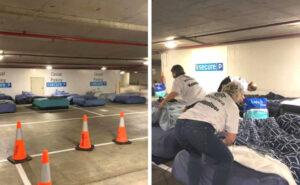"""La solidarietà ha trasformato un parcheggio inutilizzato di notte in rifugio """"pop-up"""" per i senzatetto"""