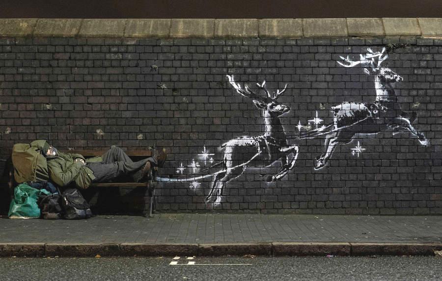 L'opera natalizia di Banksy sui senzatetto