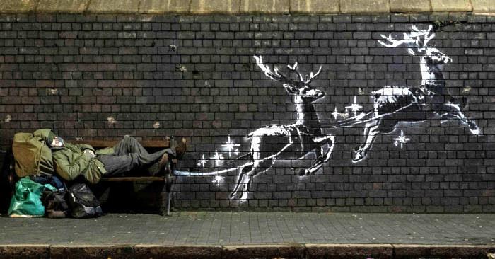 Illusoria allegria e cruda realtà nell'ultima opera natalizia di Banksy