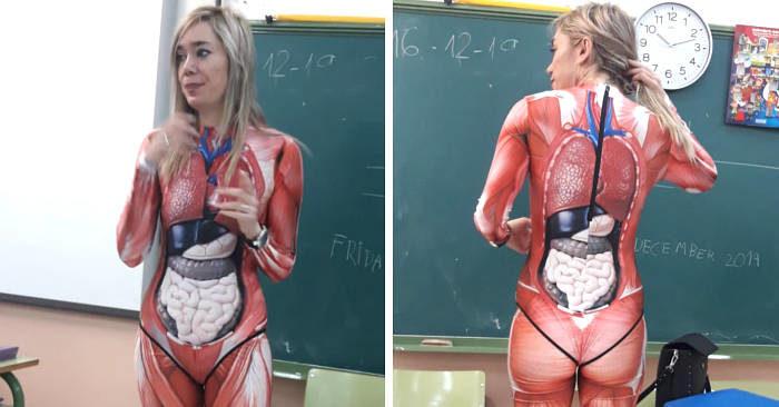 Maestra insegna il corpo umano con un realistico costume 3D