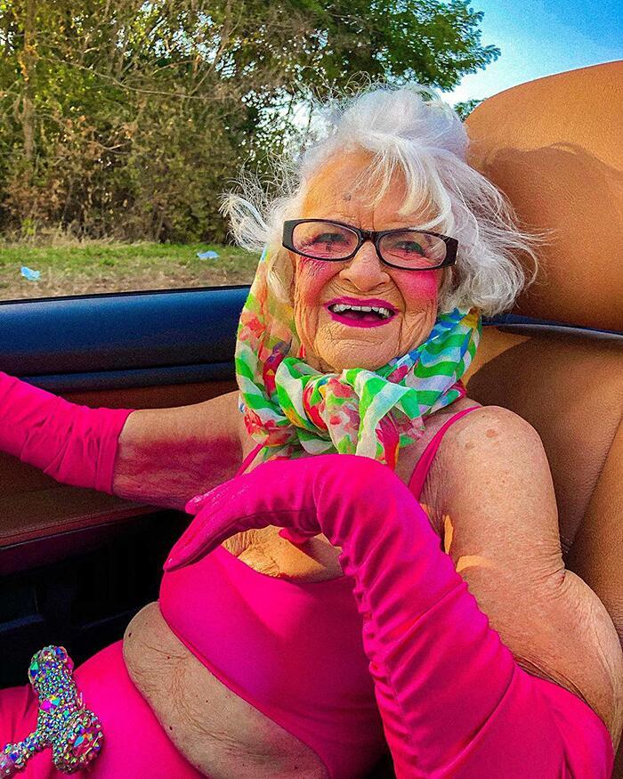 Signora 92 anni famosa su Instagram Baddie Winkle