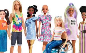 Le nuove Barbie hanno vitiligine, protesi, sedie a rotelle, calvizie e celebrano la diversità