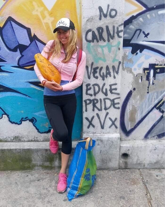 Blogger vegana incolpa le persone che mangiano carne degli incendi in Australia