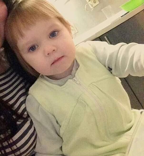 Madre lascia figlia di 3 anni sola per 1 settimana e la piccola muore per aver mangiato detersivo dalla fame, Maria Plenkina e Kristina