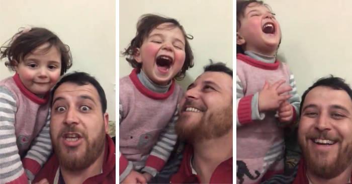 Ogni bomba una risata: papà siriano fa credere alla figlia di 4 anni che la guerra è un gioco divertente