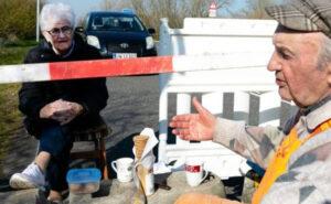 Due innamorati ultra 80enni si vendono ogni giorno al confine tra Germania e Danimarca