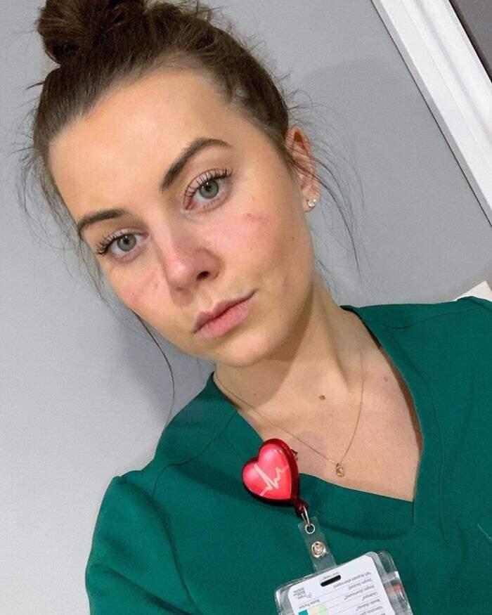 Foto di medici e infermieri contro il coronavirus