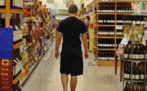 Coronavirus: positivo fa la spesa al supermercato e ora rischia fino a 12 anni di carcere