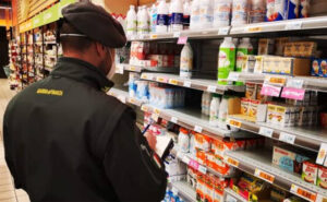 Supermercato raddoppia i prezzi speculando sul coronavirus, denunciato gestore in Piemonte
