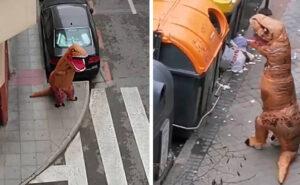 Coronavirus, la polizia ferma un T-Rex che passeggiava nonostante il divieto di uscire