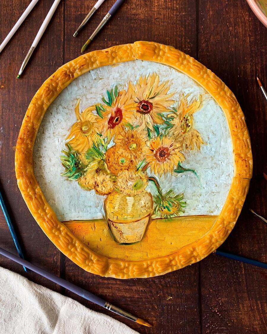 Pasticcera autodidatta crea bellissime crostate dipinte ispirate a quadri famosi